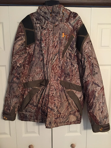 Huge Family Closet Cleanout Camo Ladder Stand The