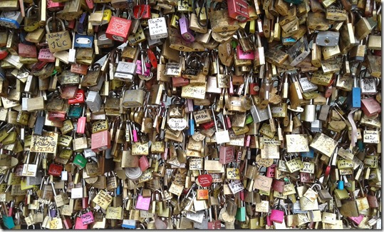 Pont Neuf - Love Locks (1)