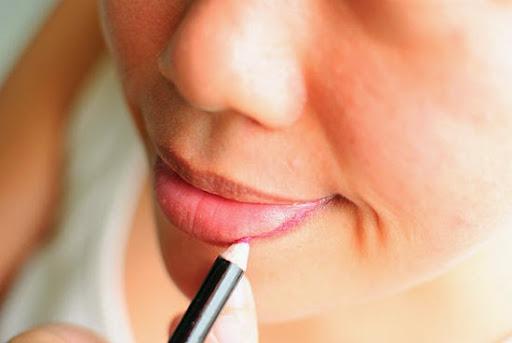 7 bước tô son để môi căng mọng - 5