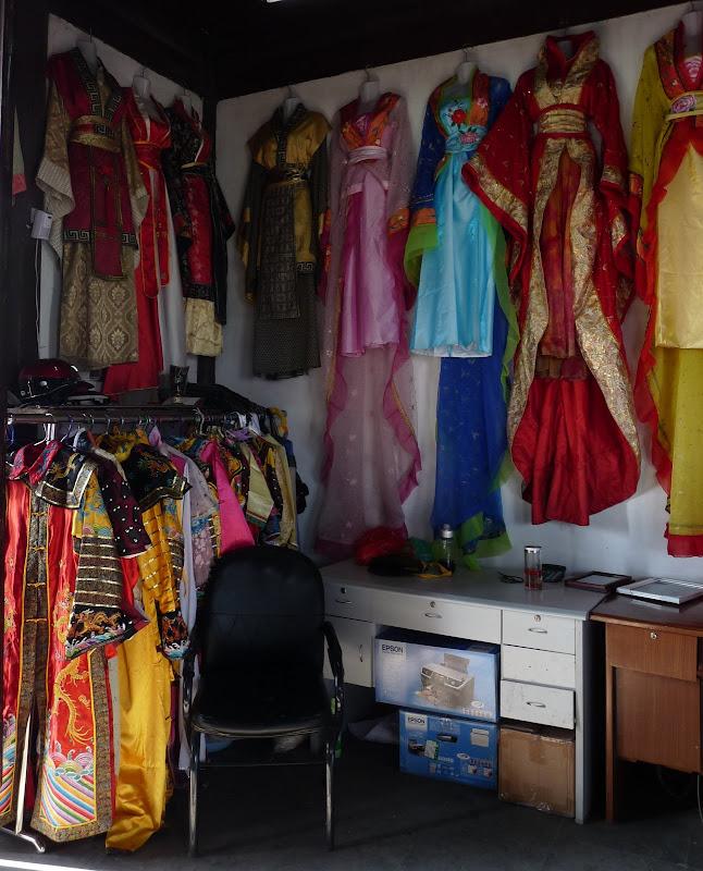 Suzhou.déguisements pour photo....