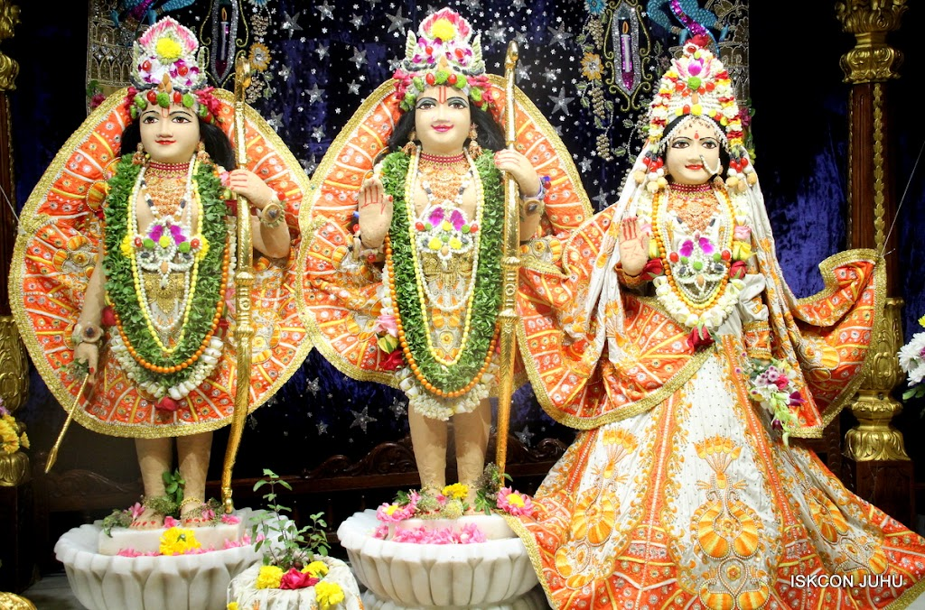 ISKCON Juhu Chandan yatara Deity Darshan on 9th May 2016 (21)