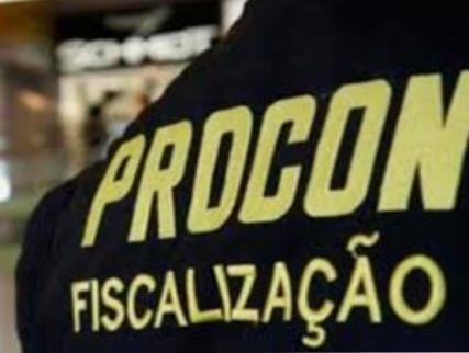 Procon-SP pretende multar escolas  particulares  que negarem desconto.