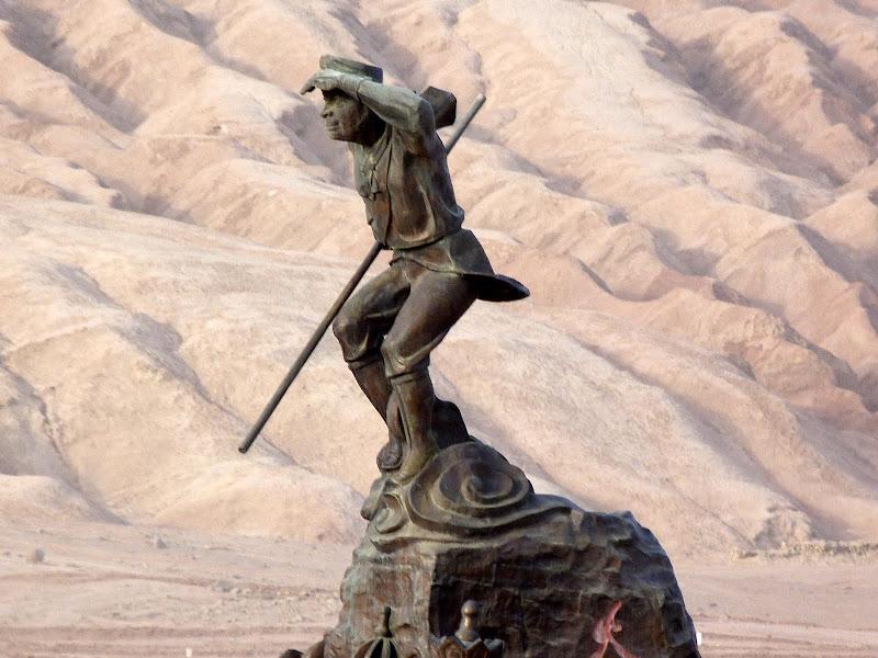 XINJIANG.  Turpan. Ancient city of Jiaohe, Flaming Mountains, Karez, Bezelik Thousand Budda caves - P1280019.JPG