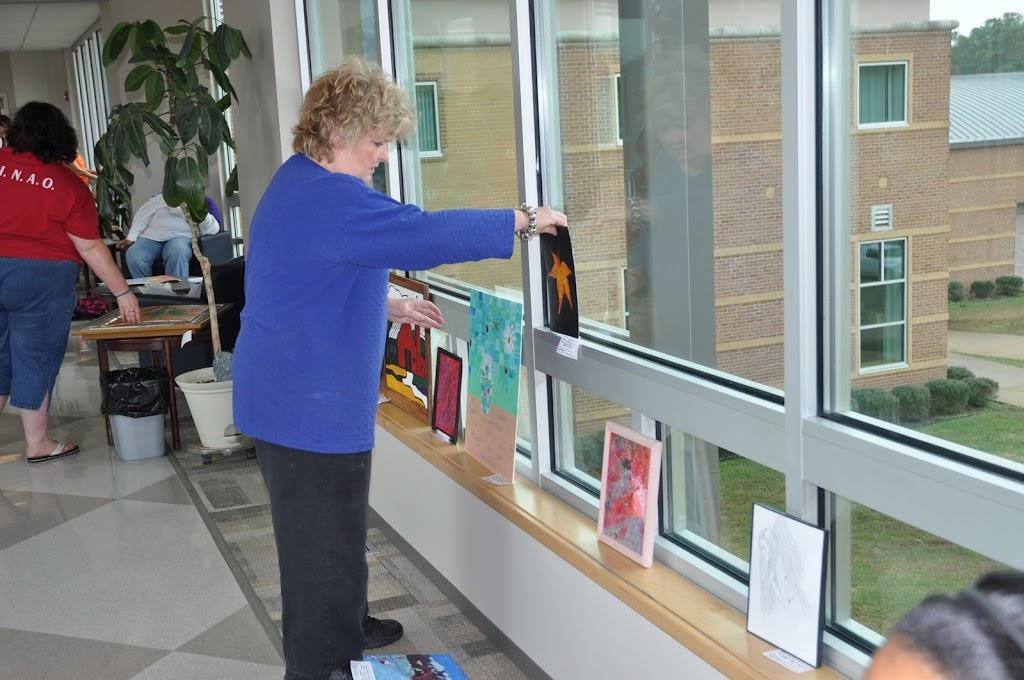 Student Art Show 2010 - DSC_0109.JPG