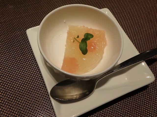 浦和のフレンチ、ラ ヴォワール 最初のデザートは柑橘のゼリー寄せ160128201004TG-850.jpg