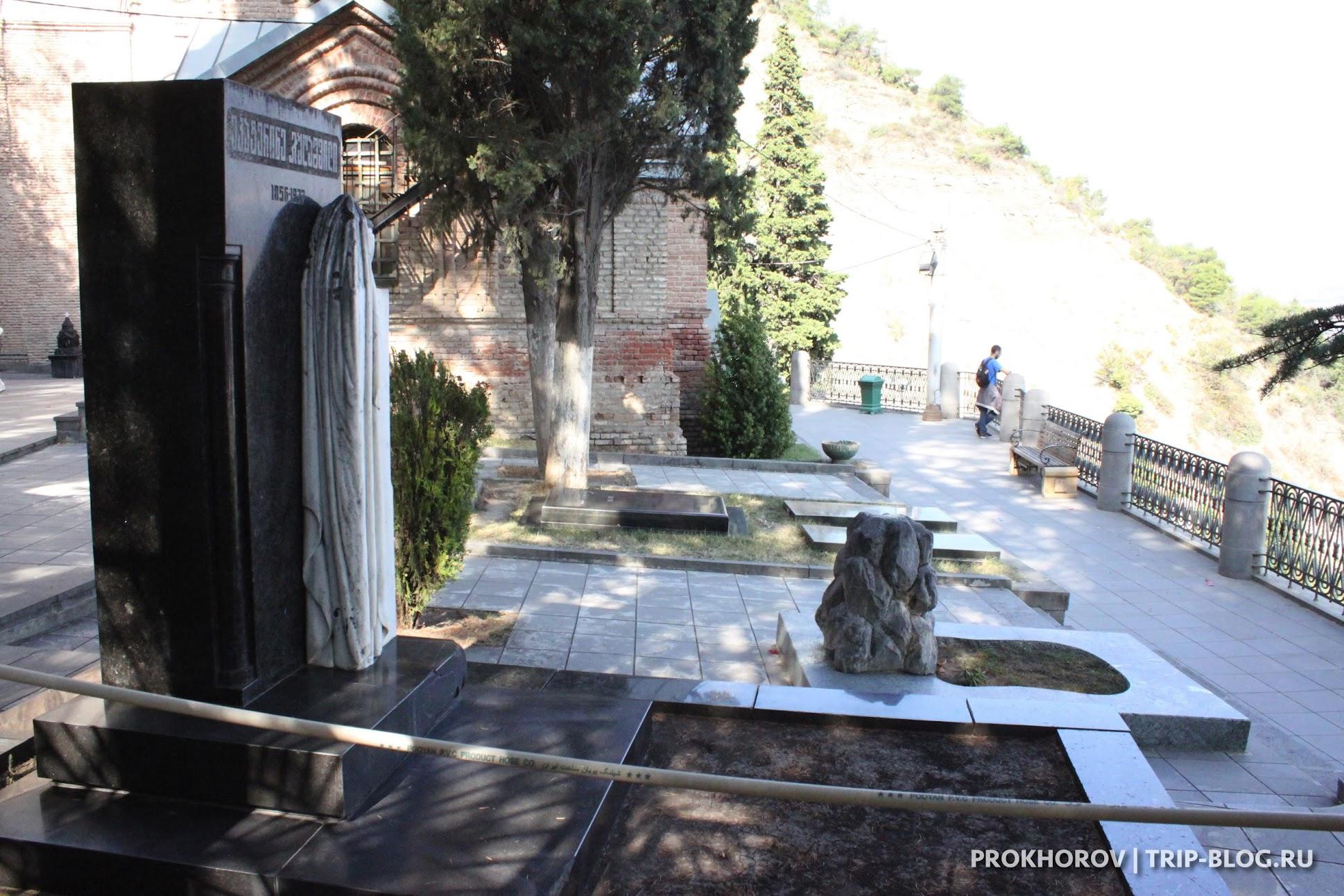 Могила матери И. Сталина