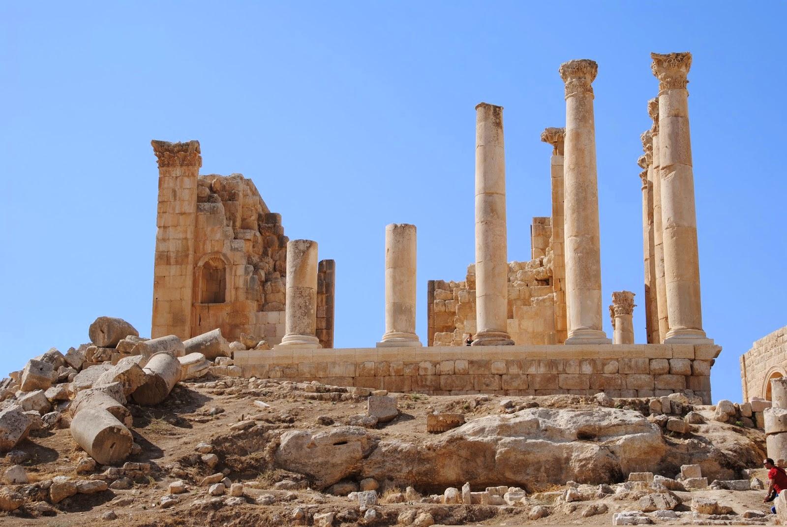 My Photos: Jordan -- Jerash -- The Temple of Zeus Olympus