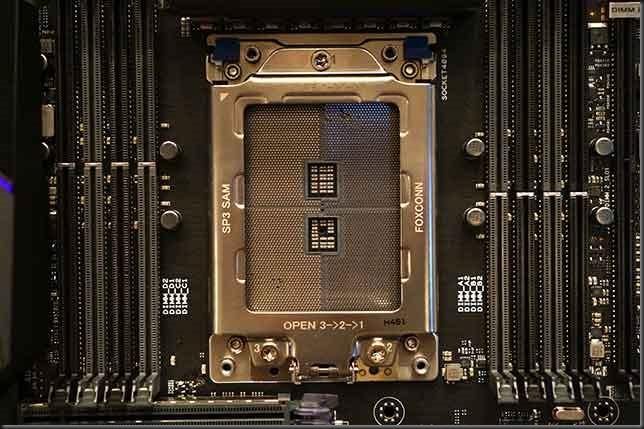 AMD-Threadripper-socket-nude