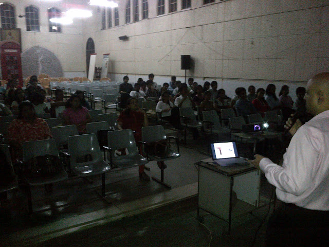 Addressing the 4th Year Architecture Students of J.J.School of Architecture - IMG-20120725-00087.jpg