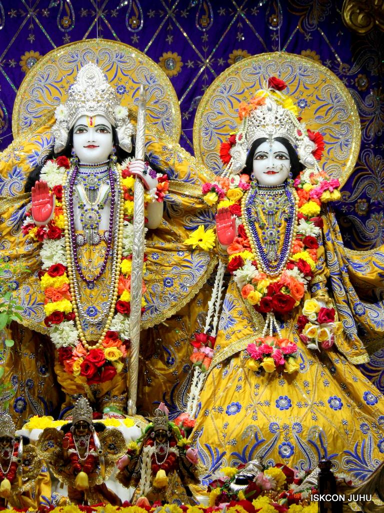 ISKCON Juhu Sringar Deity Darshan on 7th Sep 2016 (87)
