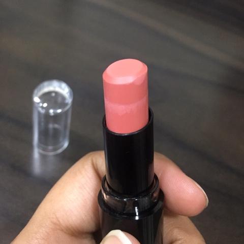 Wet n Wild lipstick 903C Just peachy