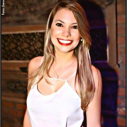 Carol Nobre picture
