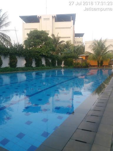 kolam renang bagus