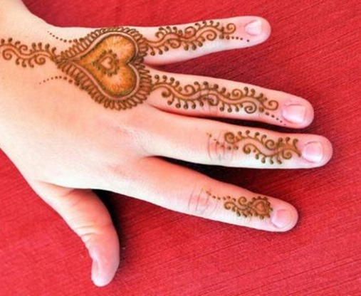Mehndi Heart Meaning : Top heart shaped mehndi designs bling sparkle