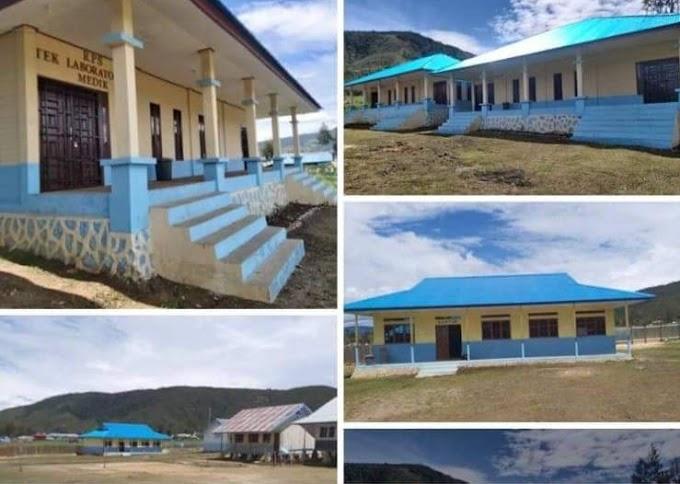 70 Sekolah Se-provinsi Papua Termasuk SMK Negeri 1 Paniai Mendapat Akreditasi Tingkat Sekolah Madrasah