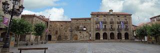 Reinosa_-_Plaza_de_España_-_Fachadas