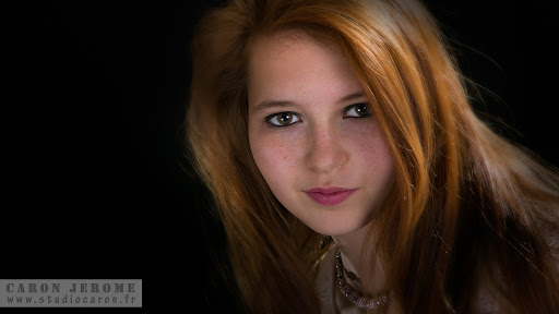Portrait d'adolescent en studio photo