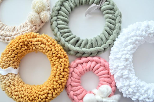 diy chunky yarn wreath