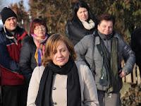 12 Lőrincz Mária, a Középső-Ipoly Mente Regionális Fejlesztési Ügynökség nevében koszorúz.jpg