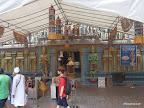 Hindutempel 100m neben Buddhisttempel