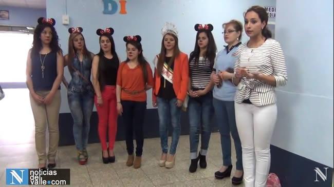 Candidatas a Rojasianthe Superba visitaron a los niños en el Hospital Nacional