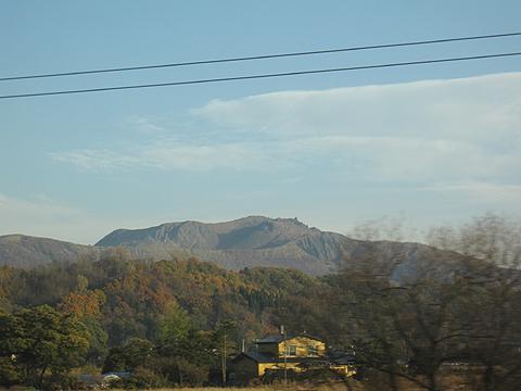 寝台特急「トワイライトエクスプレス」  北海道の車窓(昭和新山)