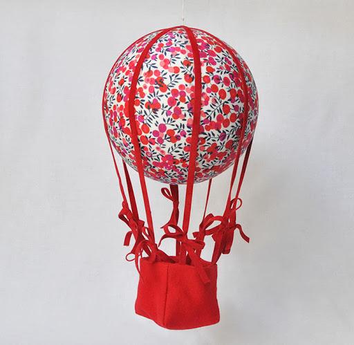 montgolfière wiltshire rouge