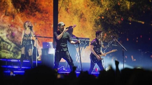"""""""Artista latin  màs grande en la historia: Enrique Iglesias Billboard y Telemunfo"""
