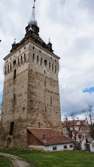 Biserica Fortificata Si Cetatea Taraneasca Din Saschiz Comuna