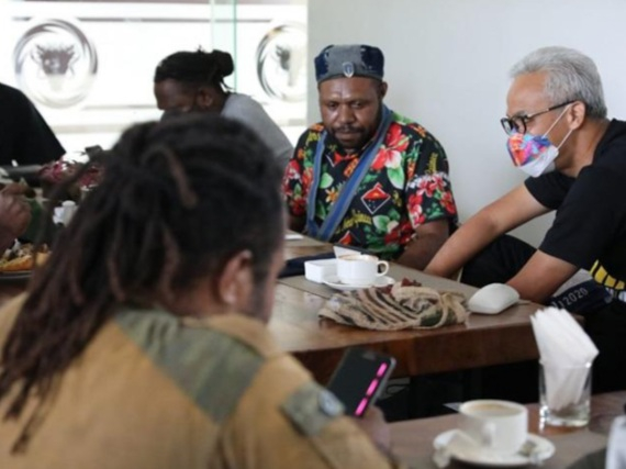 Temui Ganjar di Hotel, Aktivis Mahasiswa Papua: Kami dan Saudara Kita di Jateng Tetap Bersaudara, Salam Satu Indonesia
