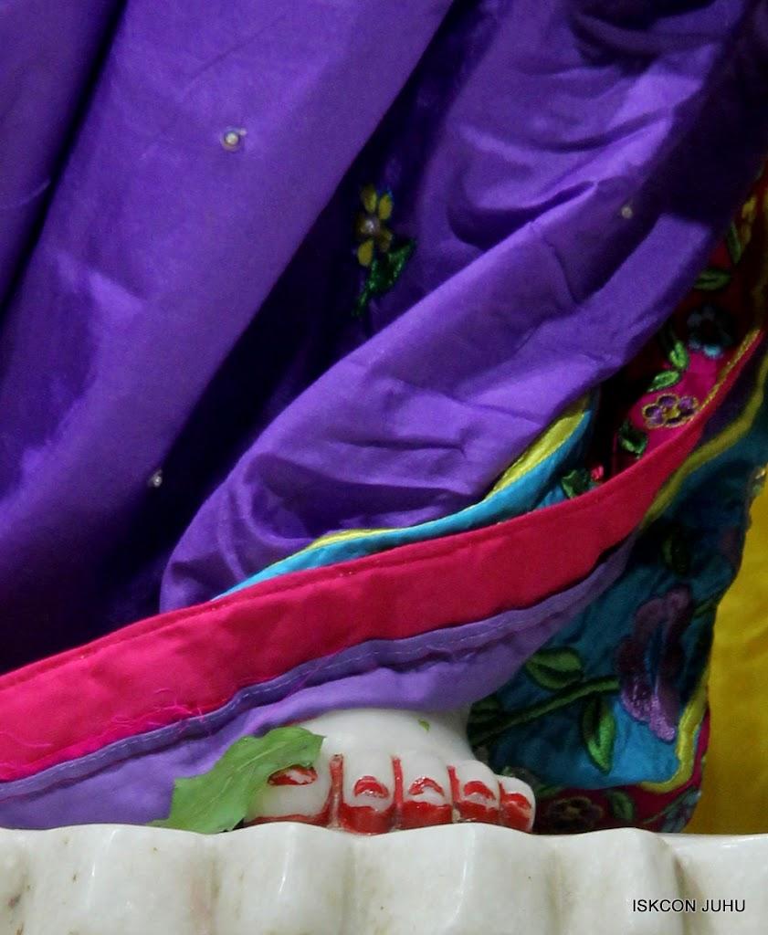 ISKCON Juhu Mangal Deity Darshan on 31st July 2016 (38)