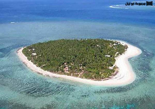 اغرب 10 : جزر في العالم Heart-Island1-600x420