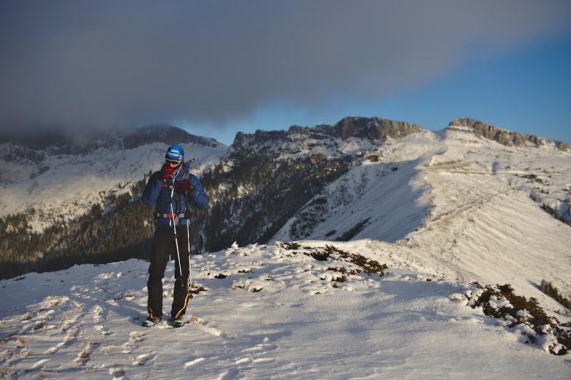 Sfarsit de zi, asteptam iarna adevarata pentru a scoate schiurile la inaintare.