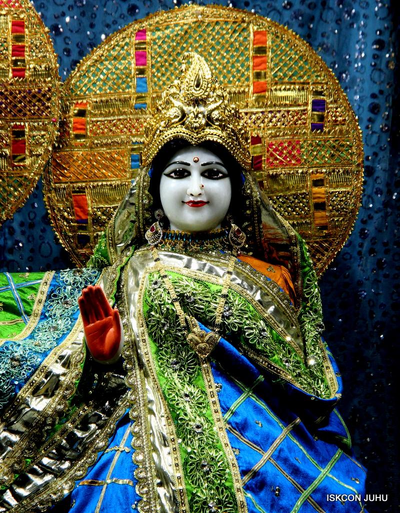 ISKCON Juhu Mangal Deity Darshan on 20th Jan 2017 (20)