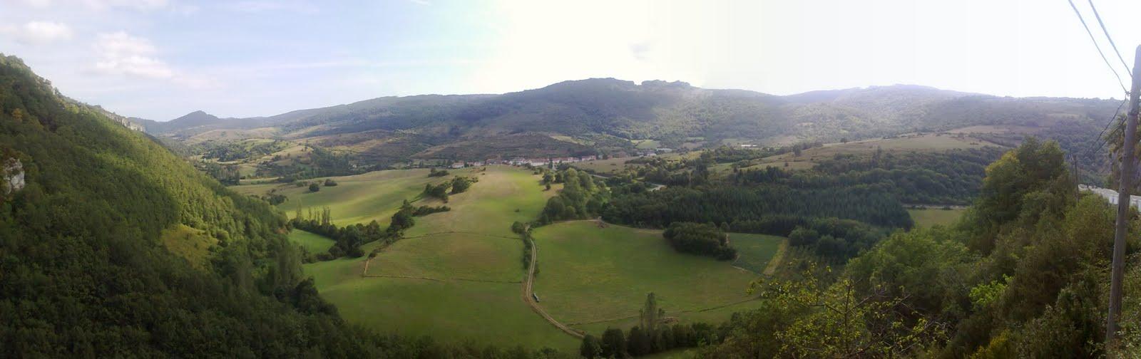 Vista de Garaioa desde la carretera de Hiriberri-Hotel RuralTorre de Uriz