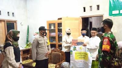 Pemuda Pemudi Gemar Bersodakoh Asal Yogyakarta Berikan Bantuan Kepada Panti Asuhan Ahmad Sujari Girimulyo