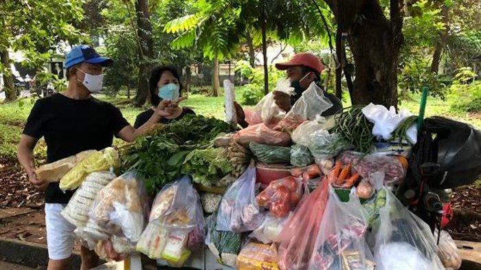 'Hilang' Pasca KLB Demokrat, Moeldoko Kedapatan Bersama Pedagang Sayur di Pinggir Jalan