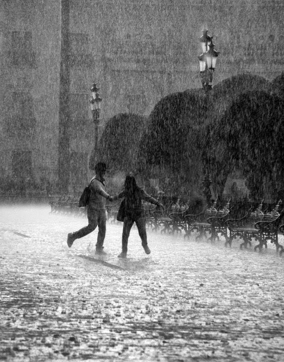 disfrutar de la lluvia