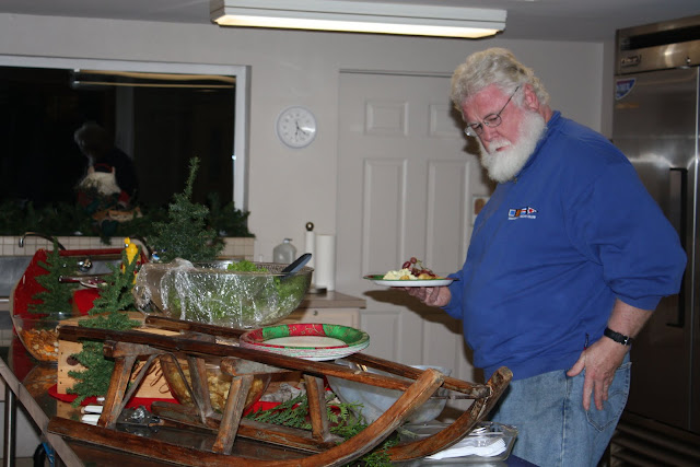 2009 Clubhouse Christmas Decorating Party - IMG_2622.JPG
