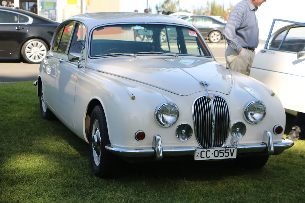 Jaguar Mk2 - British_Classic_Tour_6_May_2018_0179.JPG