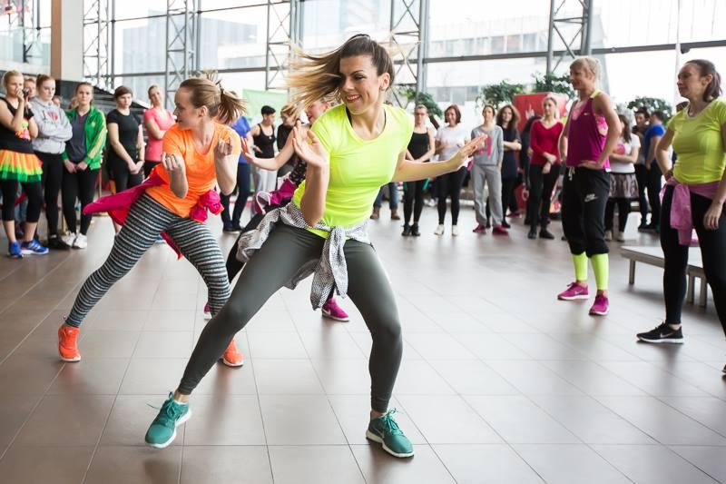 Sportland dancehall ir house showcase - 10003031_10152272035788637_1434156264_n.jpg