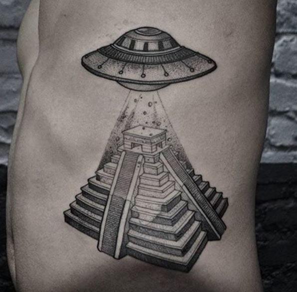 Esta pirâmide maia