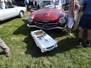 2016.08.15-042 Mercedes 190 SL et sa voiture à pédales
