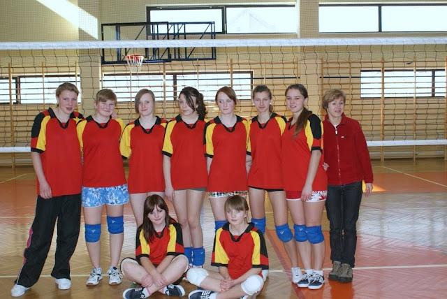 Zawody siatkarskie dziewczat 1 marca 2011 - DSC09369_1.JPG