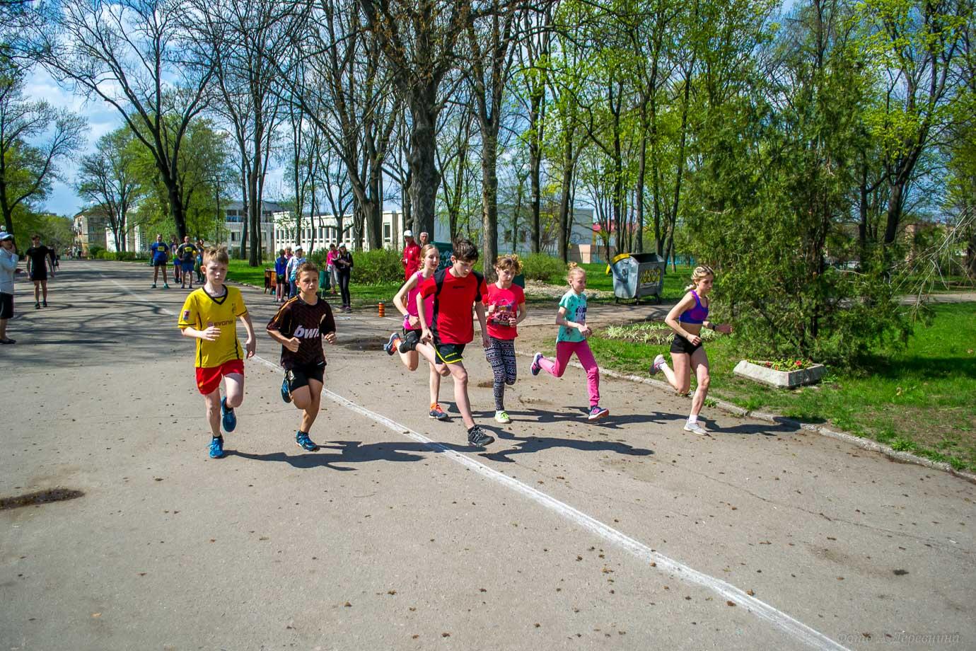 Фотографии. Легкоатлетичний пробіг «Чорнобильський набат», присвячений жертвам Чорнобиля