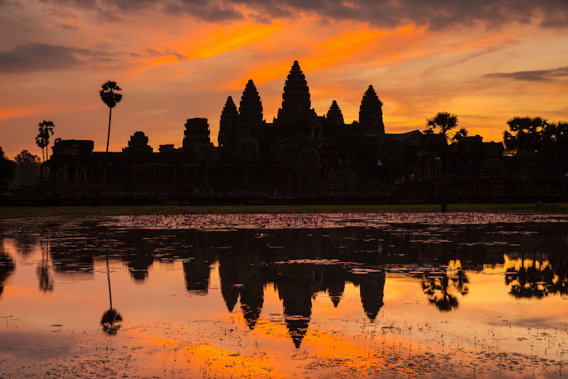 Angkor Wat Sunrise with reflection