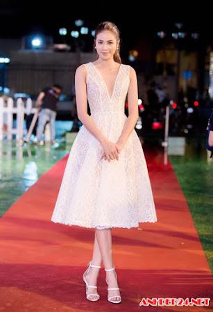Phạm Hương soán ngôi 'mặc đẹp nhất năm' của Thu Thảo