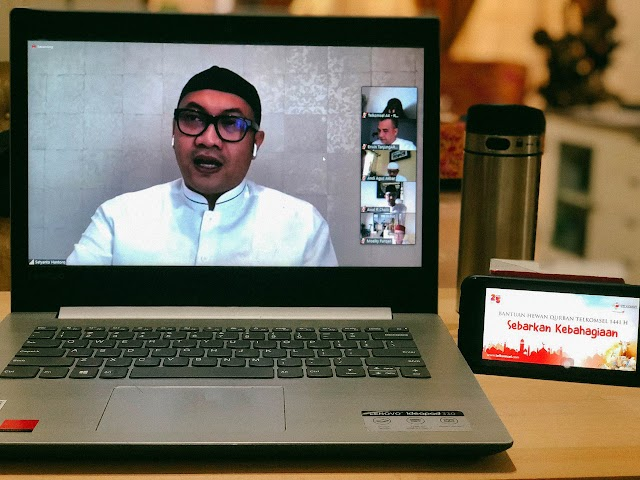 Maknai Idul Adha, Telkomsel Salurkan Hewan Kurban