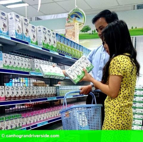 Hình 2: Vinamilk được vinh danh thương hiệu vàng thực phẩm Việt Nam năm 2014
