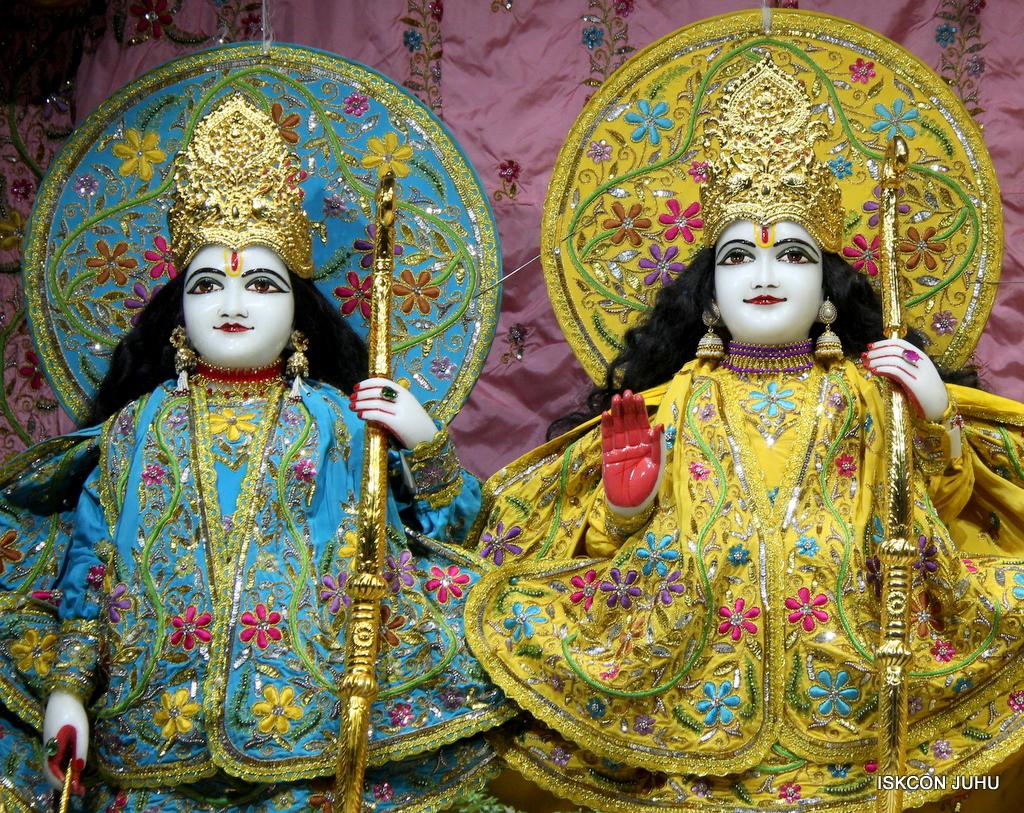 ISKCON Juhu Mangal Deity Darshan on 18th Jan 2017 (8)